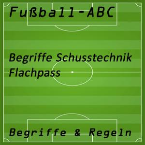 Fußball Flachpass