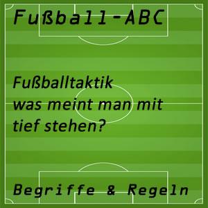 Fußball tief stehen