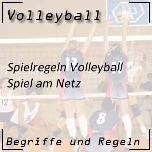 Volleyball Spiel am Netz